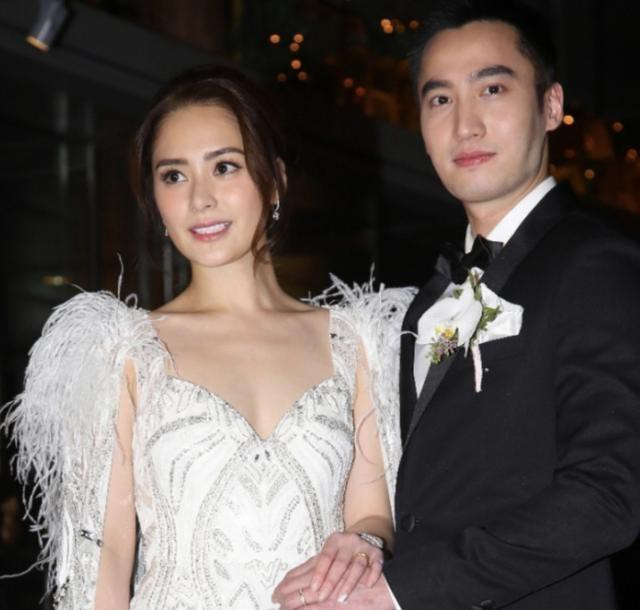 Cưới chưa đầy 2 năm, Chung Hân Đồng ly dị chồng kém 4 tuổi - ảnh 2