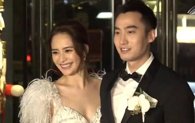 Cưới chưa đầy 2 năm, Chung Hân Đồng ly dị chồng kém 4 tuổi - ảnh 1