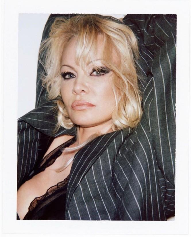 'Quả bom gợi cảm' Pamela Anderson 52 tuổi vẫn khiến các quý ông say đắm - ảnh 5