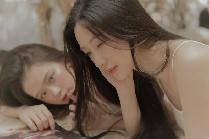 Linh Ka, Jun Vũ đẹp trong trẻo trong loạt ảnh 'chị chị em em' nền nã - ảnh 4