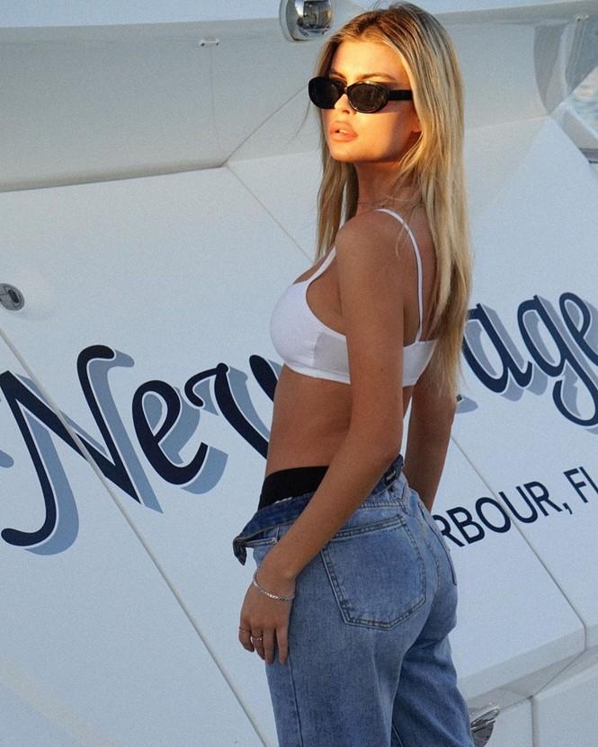 Mỹ nhân 1m80 Kellie Stewart diện bikini tôn ngực đầy quyến rũ - ảnh 9