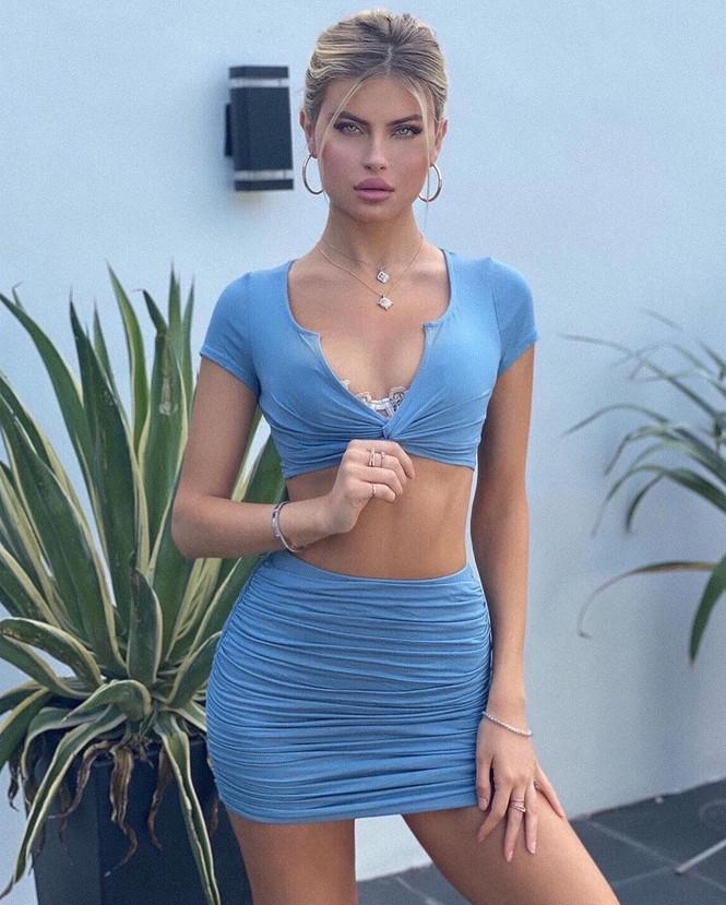 Mỹ nhân 1m80 Kellie Stewart diện bikini tôn ngực đầy quyến rũ - ảnh 15