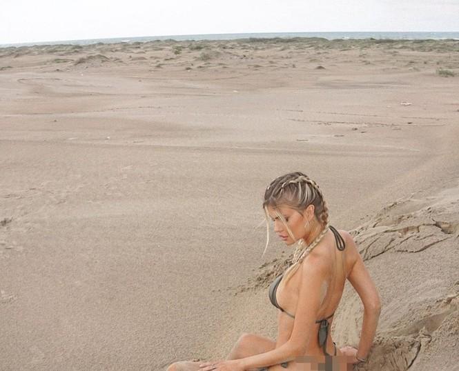 Mỹ nhân 1m80 Kellie Stewart diện bikini tôn ngực đầy quyến rũ - ảnh 4