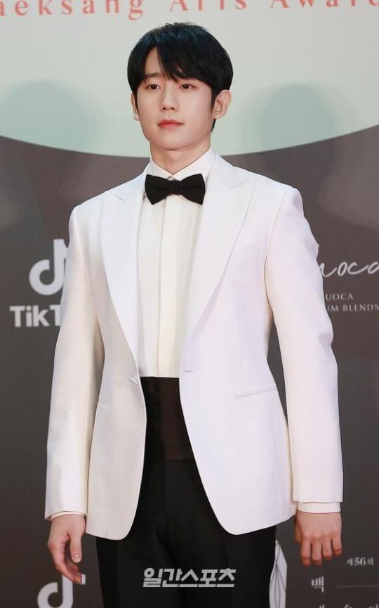 Mỹ nhân 'Hạ cánh nơi anh' Son Ye Jin siêu gợi cảm, nhưng Hyun Bin chỉ ngắm từ xa - ảnh 20