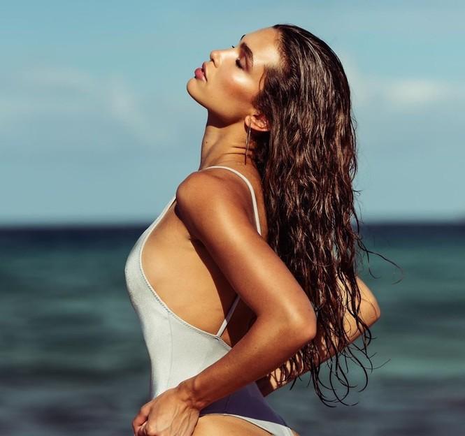 Ảnh áo tắm siêu gợi cảm của Kaylin Baer 'đốt nóng' nắng hè - ảnh 2