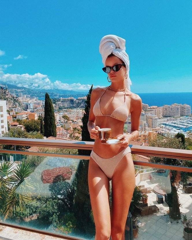 'Búp bê' tóc vàng Frida Aasen táo bạo bán nude - ảnh 4