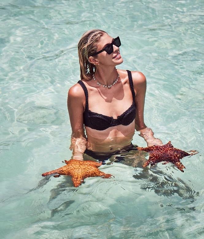 Say đắm sắc vóc tuyệt mỹ của ba mỹ nhân áo tắm trên biển - ảnh 6