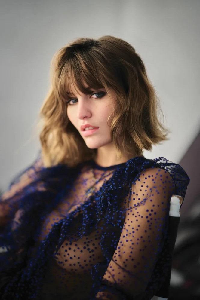 'Bóng hồng Pháp' Lena Simonne như một 'quả bom gợi cảm' trên bìa Maxim - ảnh 5