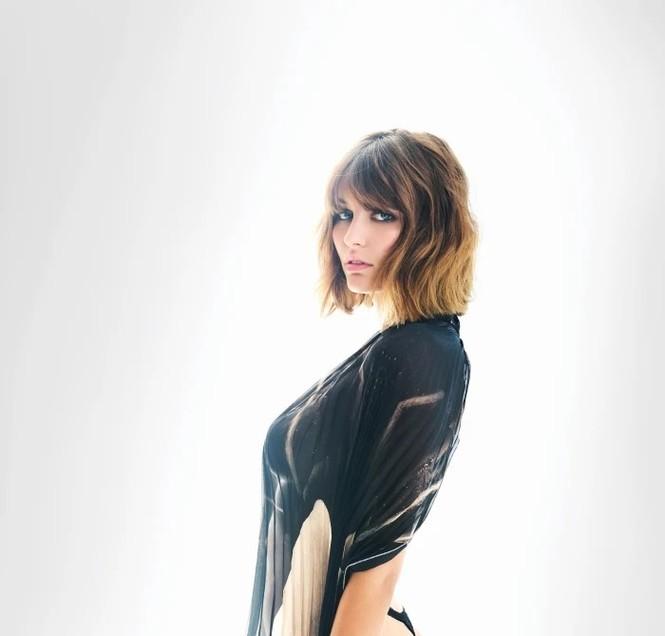 'Bóng hồng Pháp' Lena Simonne như một 'quả bom gợi cảm' trên bìa Maxim - ảnh 3