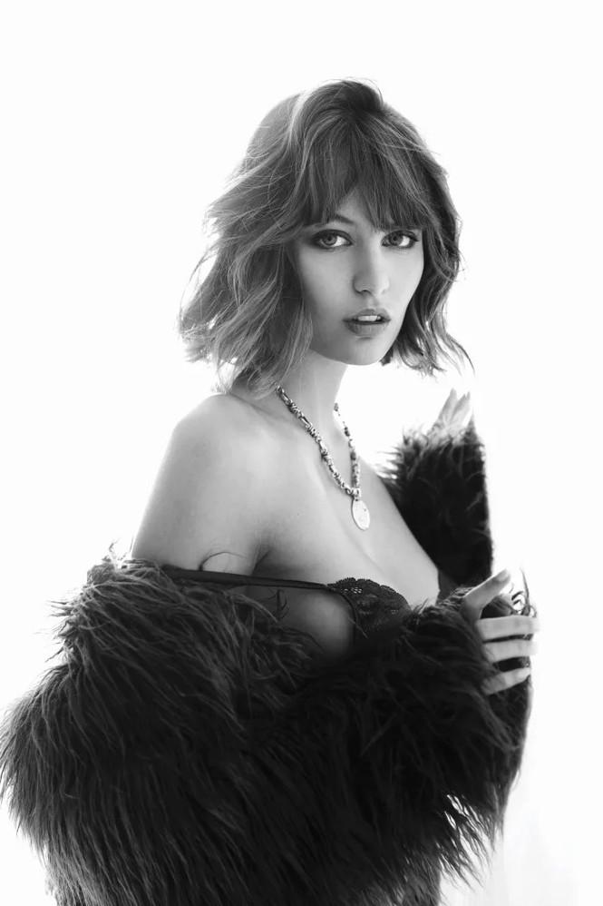 'Bóng hồng Pháp' Lena Simonne như một 'quả bom gợi cảm' trên bìa Maxim - ảnh 6