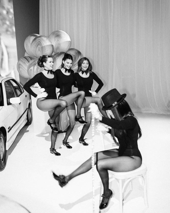 Kim Kardashian siêu gợi cảm trong tiệc sinh nhật tuổi 40 - ảnh 7