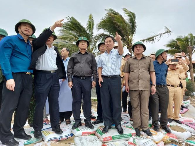 Từ 20 giờ tối nay, Đà Nẵng yêu cầu người dân không ra khỏi nhà để tránh bão số 9 - ảnh 20
