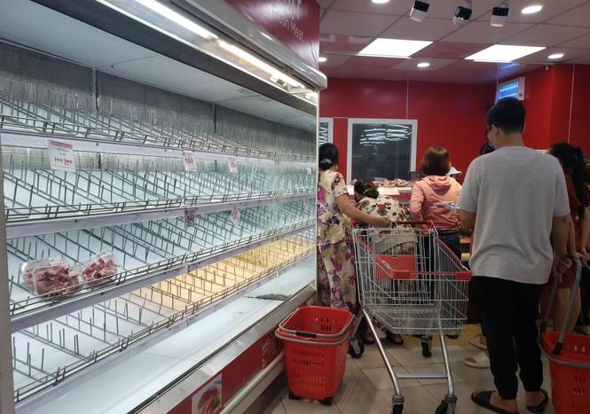 Từ 20 giờ tối nay, Đà Nẵng yêu cầu người dân không ra khỏi nhà để tránh bão số 9 - ảnh 14
