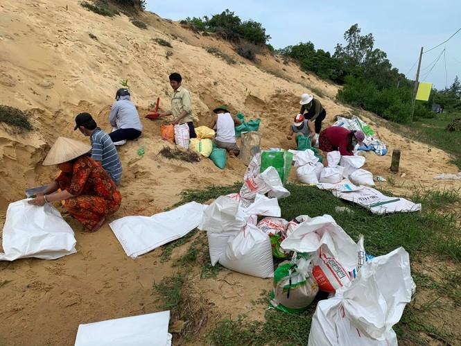 Từ 20 giờ tối nay, Đà Nẵng yêu cầu người dân không ra khỏi nhà để tránh bão số 9 - ảnh 19