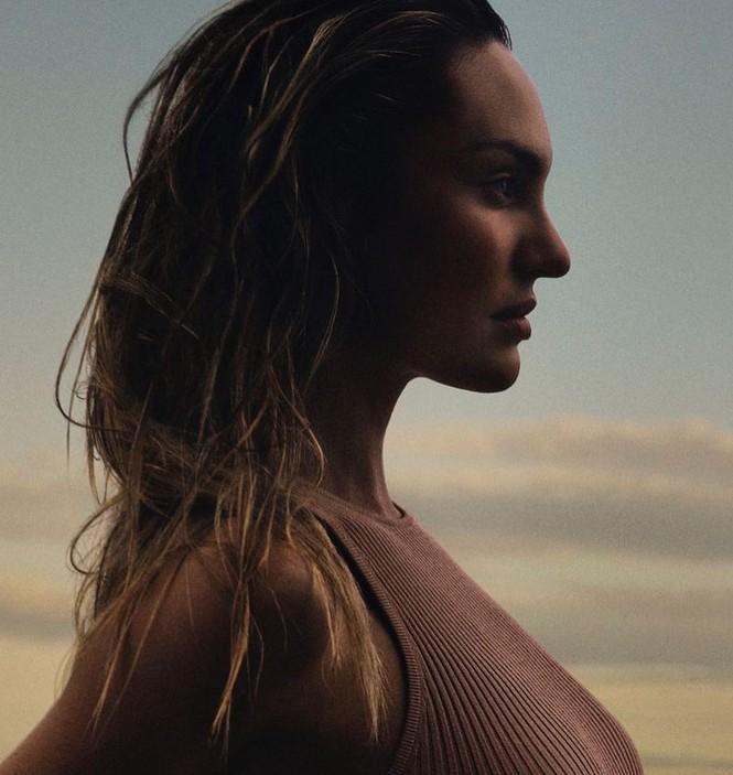Thiên thần nội y Nam Phi gợi cảm hút hồn tắm biển Miami - ảnh 14