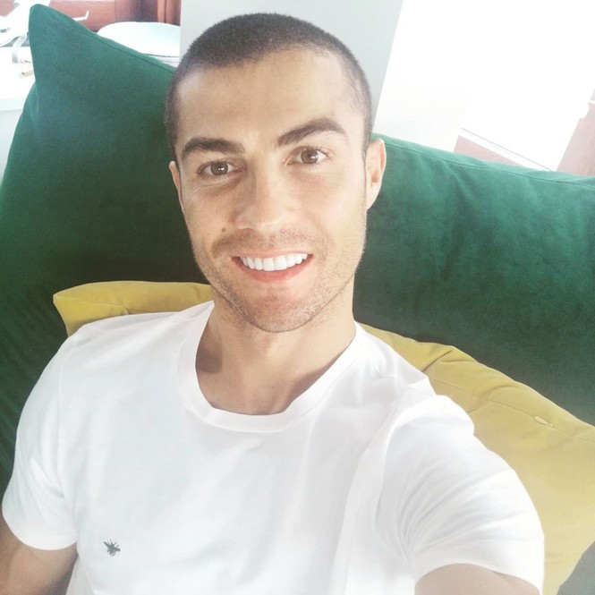 Nhan sắc 'gái một con' nóng bỏng của bạn gái Ronaldo  - ảnh 10