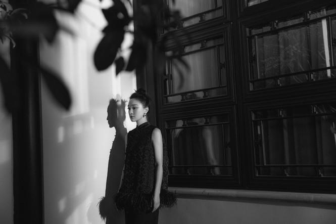 Vẻ đẹp U50 mong manh thanh tú của Châu Tấn - ảnh 9