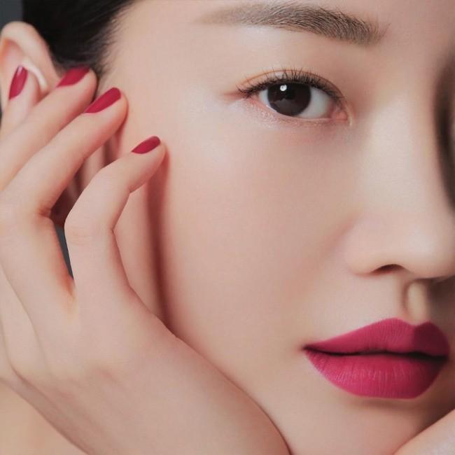 Hoa hậu Hàn Quốc khoe chân thon với váy xẻ cao táo bạo - ảnh 14