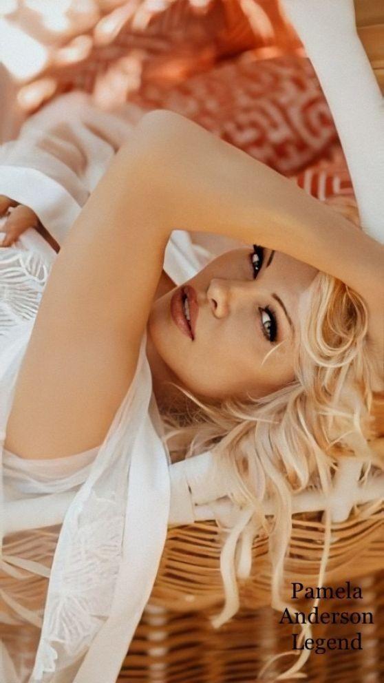 Pamela Anderson U60 vẫn xứng danh 'bom gợi cảm' - ảnh 4
