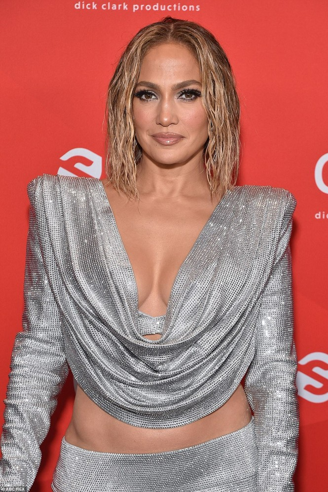 Hình thể rực lửa tuổi ngũ tuần của Jennifer Lopez - ảnh 9