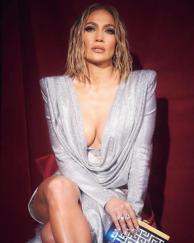 Hình thể rực lửa tuổi ngũ tuần của Jennifer Lopez - ảnh 11