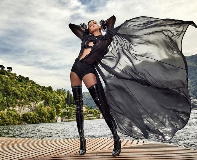 Irina Shayk cùng dàn mẫu quyến rũ hút hồn trên Vogue Hy Lạp - ảnh 10