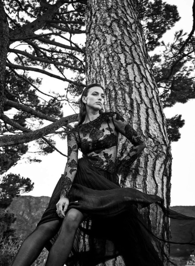 Irina Shayk cùng dàn mẫu quyến rũ hút hồn trên Vogue Hy Lạp - ảnh 13