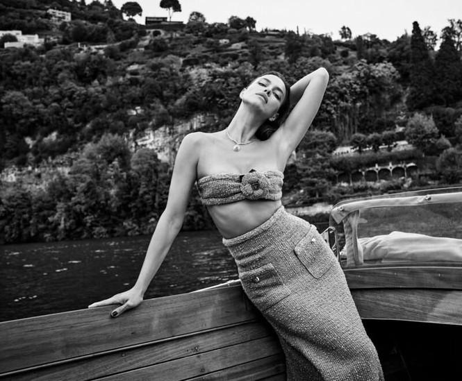 Irina Shayk cùng dàn mẫu quyến rũ hút hồn trên Vogue Hy Lạp - ảnh 9