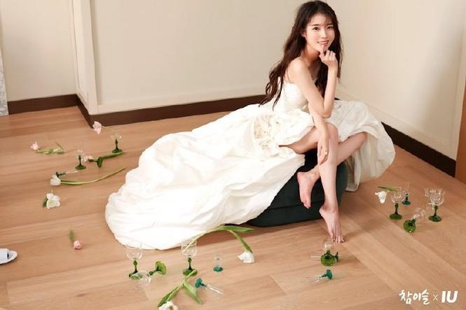 Vẻ đẹp trong veo thanh khiết nữ thần của 'em gái quốc dân' xứ Hàn IU - ảnh 4