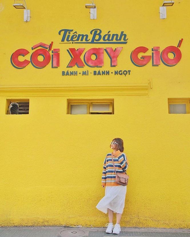 Bức tường vàng 'Tiệm bánh Cối Xay Gió' ở Đà Lạt sắp biến mất làm dân mạng tiếc nuối - ảnh 3