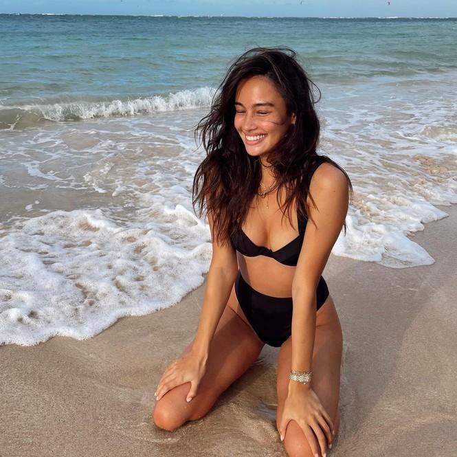 Kelsey Merritt tung tăng bikini ở biển Hawaii - ảnh 2