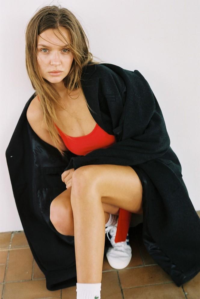 Dáng nuột nà đầy sức sống của người mẫu nội y Đan Mạch - ảnh 13