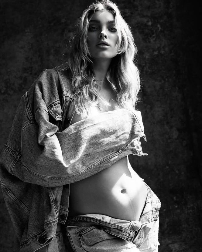 Ngắm sắc vóc gợi cảm của bà bầu xinh đẹp Elsa Hosk - ảnh 8