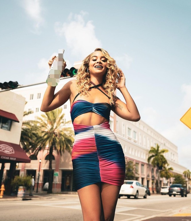 Mỹ nhân áo tắm Jasmine Sanders thả dáng tròn đầy ở biển Miami - ảnh 13