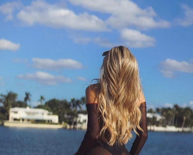 Đường cong nảy nở rực lửa của người mẫu áo tắm Cindy Prado - ảnh 13