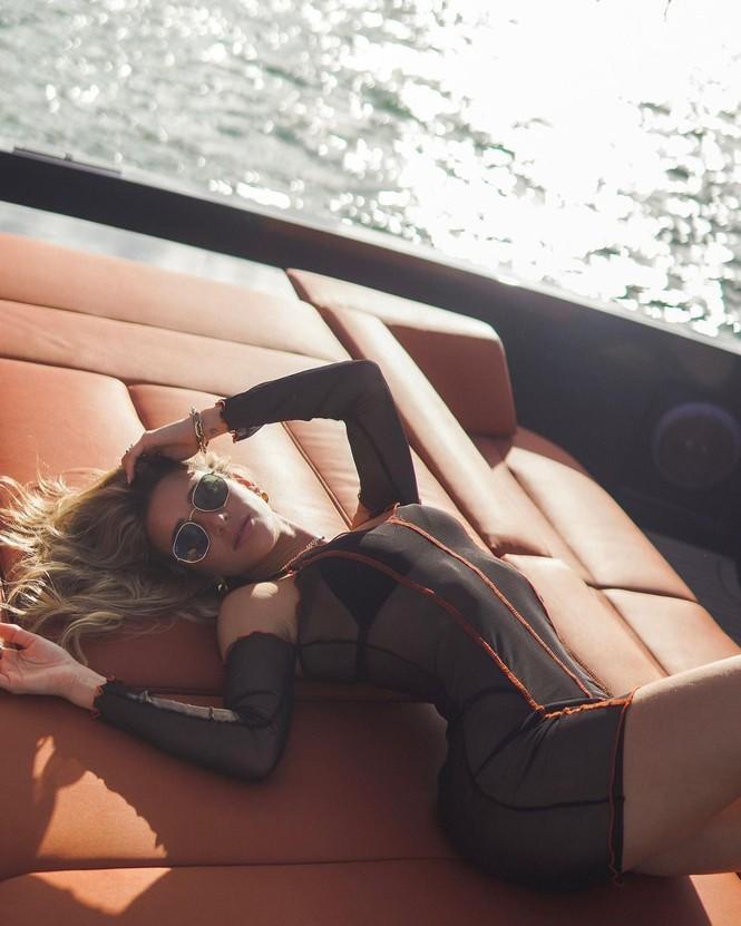 Đường cong nảy nở rực lửa của người mẫu áo tắm Cindy Prado - ảnh 6