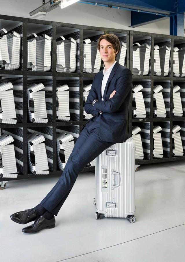 Con trai 9x của tỷ phú Louis Vuitton: CEO tài năng, tốt nghiệp ĐH Pháp danh tiếng  - ảnh 1