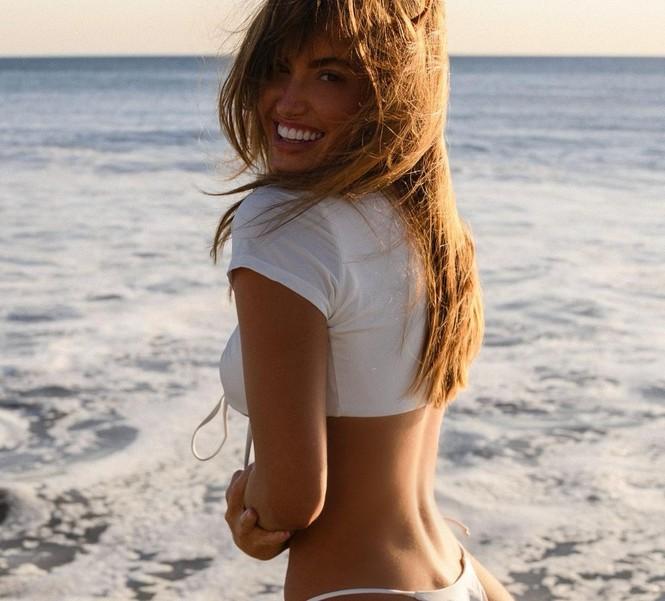 Người mẫu Mỹ Haley Kalil 'bỏng mắt' trong ảnh bikini khoe số đo 'vàng' - ảnh 9