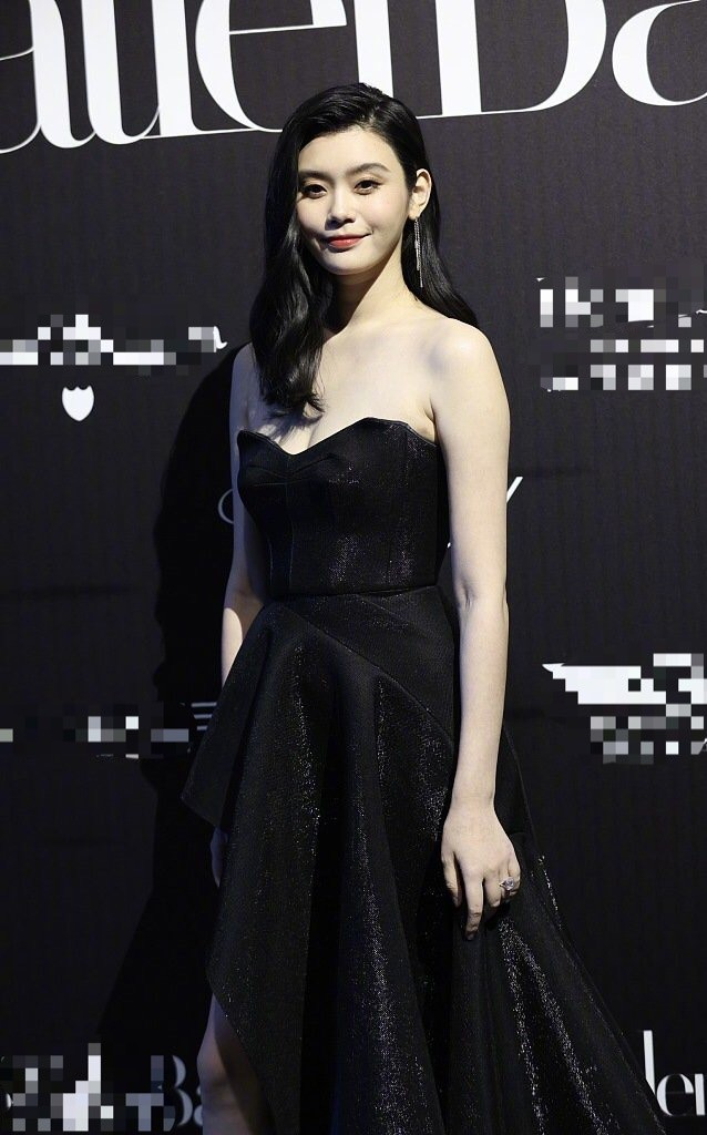 Người mẫu Victoria's Secret Ming Xi thả dáng 'gái một con' nóng bỏng sau sinh - ảnh 8
