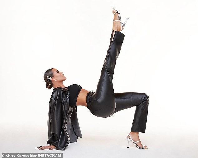 Kim Kardashian thả dáng nóng bỏng tôn đường cong 'gây mê' - ảnh 13