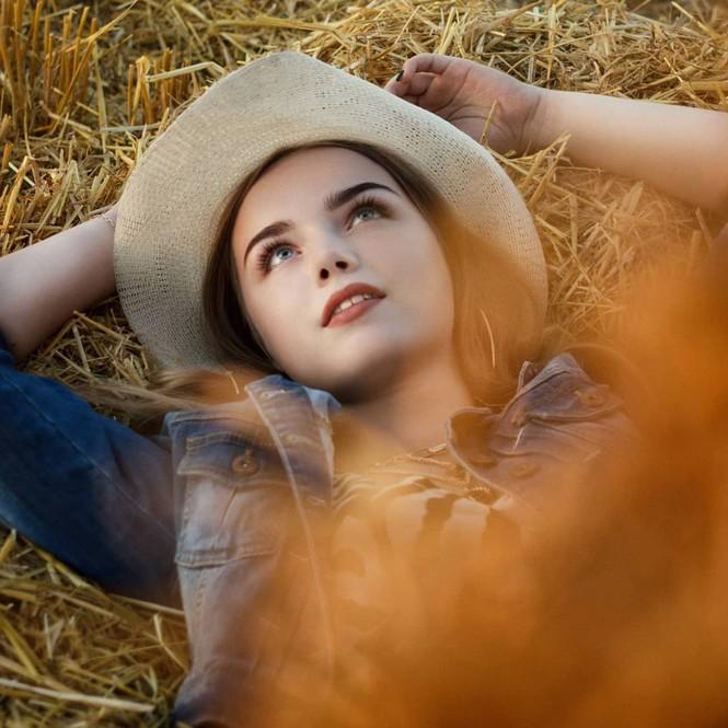Vẻ đẹp tuổi 16 trăng tròn của mẫu nhí từng được mệnh danh xinh nhất thế giới - ảnh 2