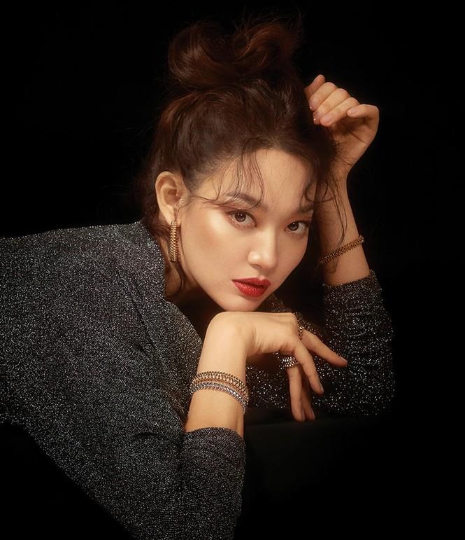 'Hồ ly 9 đuôi' Shin Min Ah đẹp xuất sắc đón Giáng sinh - ảnh 11