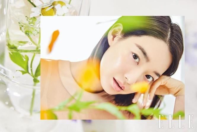 'Hồ ly 9 đuôi' Shin Min Ah đẹp xuất sắc đón Giáng sinh - ảnh 18
