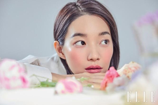 'Hồ ly 9 đuôi' Shin Min Ah đẹp xuất sắc đón Giáng sinh - ảnh 22
