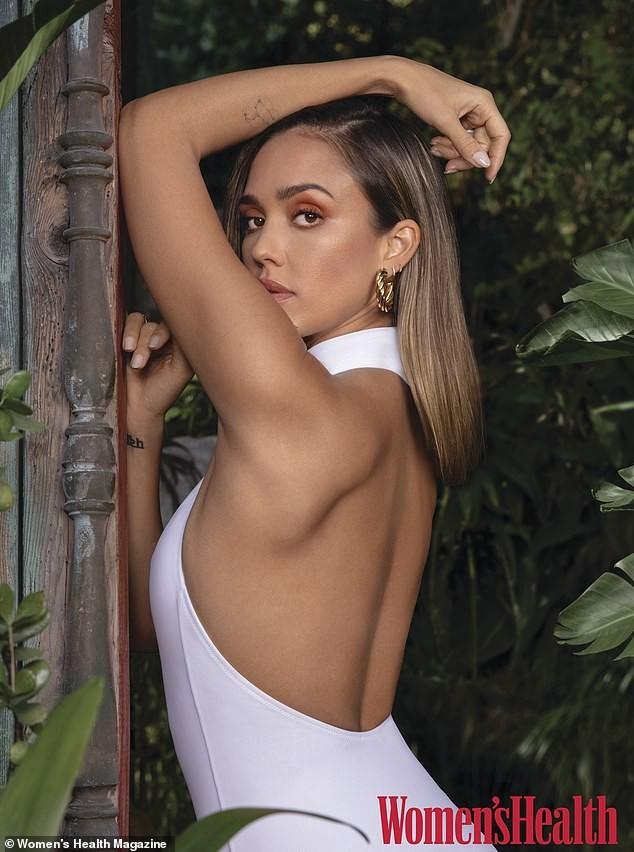 'Thiên thần bóng tối' Jessica Alba U40 dáng vóc vẫn đẹp tuyệt mỹ - ảnh 2