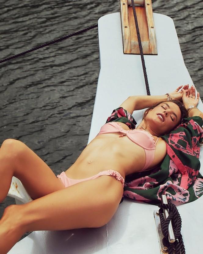 Me đắm loạt khoảnh khắc nóng 'bỏng mắt' của Alessandra Ambrosio - ảnh 3