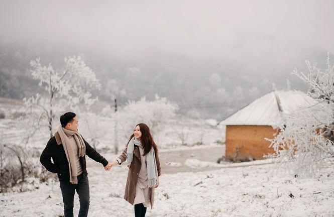 Cặp đôi chụp ảnh cưới lãng mạn giữa tuyết trắng ở Y Tý - ảnh 13