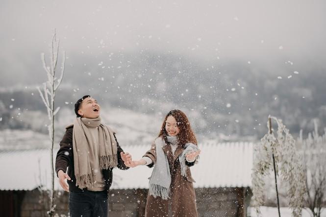 Cặp đôi chụp ảnh cưới lãng mạn giữa tuyết trắng ở Y Tý - ảnh 14