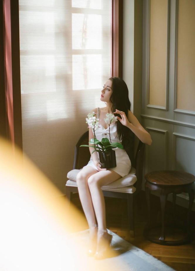 Mỹ nhân Tân Cương lưng trần dáng thon, ngày càng đẹp và quyến rũ - ảnh 15