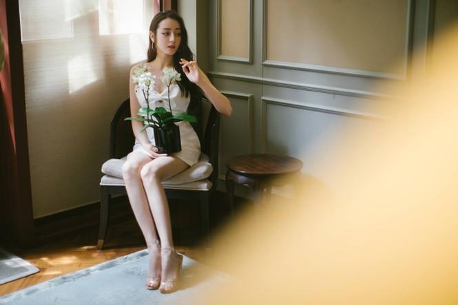 Mỹ nhân Tân Cương lưng trần dáng thon, ngày càng đẹp và quyến rũ - ảnh 14